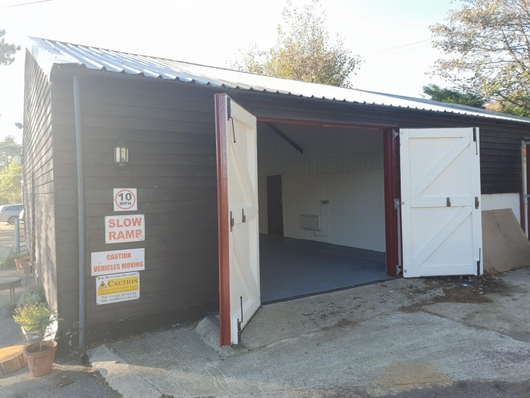 Unit 9 Lascombe Estate, Highfield Lane, Puttenham, Guildford GU3 1BB